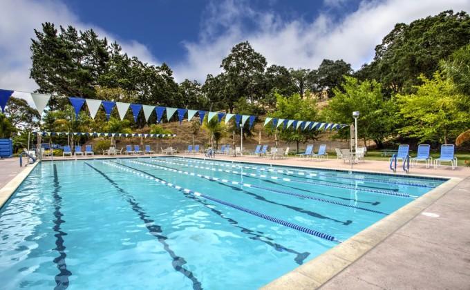 hillside_complex_pool